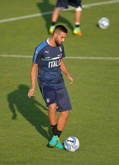 Leonardo Pavoletti con la Nazionale