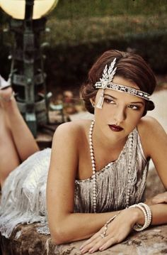 54 ideas vintage wedding gatsby headpieces – Famous Last Words The Great Gatsby, Great Gatsby Outfits, Great Gatsby Fashion, Great Gatsby Party, Roaring 20s Fashion, 1920s Party, Gatsby Theme, Gatsby Costume, Flapper Costume