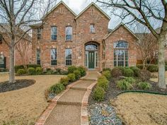 Open House on Saturday from 1-3pm - Contact The Jessica Hargis Group at 469 351 9516 for more info today!  http://qoo.ly/mfhbu