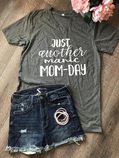 Vinyl Shirts, Mom Shirts, Cute Shirts, Funny Graphic Tees, Graphic Shirts, Funny Tees, Tees For Women, Clothes For Women, Design Logo