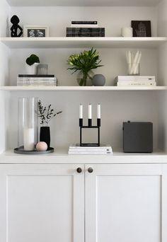 Living Room Shelves, Home Living Room, Living Room Decor, Living Room Inspiration, Home Decor Inspiration, Best Home Interior Design, Regal Design, Home Entertainment, Entertainment Products