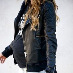 MintedMethod By Sasha : 2nd Trimester Weekend Packing List for the Fashionista