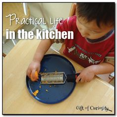 Practical life in the kitchen: Simple kitchen tasks kids can do to develop their fine motor and practical life skills #Montessori || Gift of Curiosity