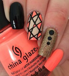 Today we are displaying abstract nail art ideas for nail art lovers to let them know that how they can adorn their nails to make attractive. Cute Nail Art, Cute Nails, Pretty Nails, My Nails, Uñas Diy, Different Types Of Nails, Abstract Nail Art, Geometric Nail, Best Nail Art Designs