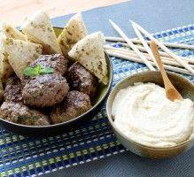 Recette - Keftas à la libanaise Meat Recipes, Slow Cooker Recipes, Crockpot Recipes, Lebanese Cuisine, Lebanese Recipes, Middle East Food, Middle Eastern Recipes, How To Cook Meatballs, Meat Appetizers