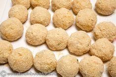bulete-de-cartofi-cu-cascaval-2 Cookies, Desserts, Food, Crack Crackers, Tailgate Desserts, Deserts, Biscuits, Essen, Postres
