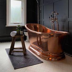 Retro Interior Design, Bathroom Interior Design, Copper Bathroom, Copper Bathtub, Dream Home Design, House Design, Bath Uk, Baths Interior, Luxury Bath