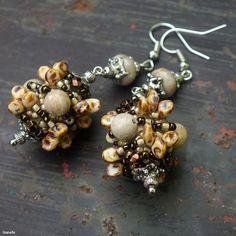 """Coral"" earrings - TOHO seed beads, Superuno beads, fossil coral beads. Coral Earrings, Beading Tutorials, Fossil, Seed Beads, Pearls, Beadwork, Jewelry, Jewlery, Bijoux"