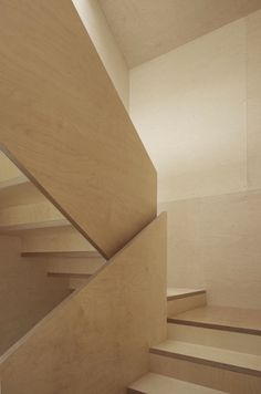 A birch plywood staircase in the EMA Haus, designed by Bernardo Bader. Plywood Interior, Interior Stairs, Stair Handrail, Banisters, Railings, Wood Railing, Wood Stairs, House Stairs, Sombra E Penumbra