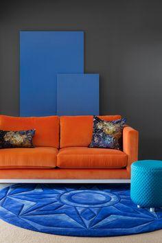 10 Remarkable Living Room Ideas By Camilla Molders Design | Modern Sofas. Orange Sofa. Velvet Sofas. #modernsofas #velvetsofas #orangesofa Read more: http://modernsofas.eu/2016/09/12/remarkable-living-room-ideas-camilla-molders-design/