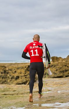 Slater going in. 2015 #RipCurlPro #BellsBeach