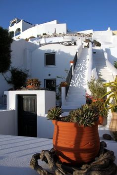 Typical architecture - Santorini