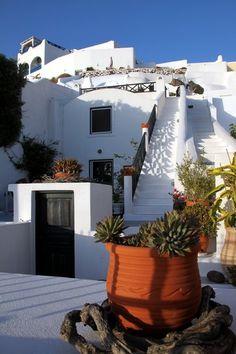 Typical architecture - Santorini