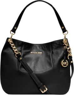 Elevate your style status with this urban-sleek shoulder bag from MICHAEL Michael Kors. Crafted in supple leather with gilded chain detailing, it goes from office hours to after hours without missing a beat.