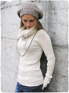 Pullover collo alto Katia  pullover in alpaca a costine e collo alto apribile, bottoni in lana in combinazione di colore.  E' un maglione in alpaca molto bello e soffice.  #modaetnica #ethnicalfashion #alpacaswhool #lanadialpaca #peruvianfashion #peru #lamamita #moda #fashion  #italianfashion #style #italianstyle #modaitaliana