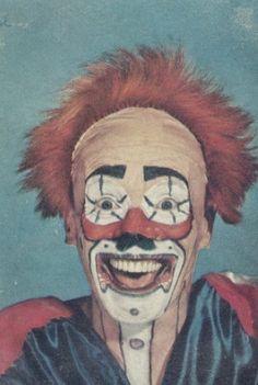 Can't sleep, clowns will eat me.