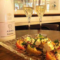 ¿El #Verano perfecto? ¡En Martinete!  Cualquiera de nuestros platos acompañado de Anna de Codorniu.