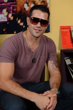 Jesse Metcalfe from ABC's Desperate Housewives in SINGE Eyewear for TrendBungalow.com