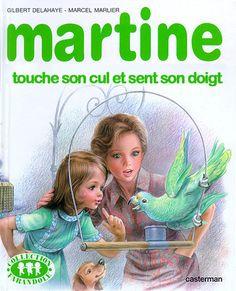 Martine touche son cul et sent son doigt
