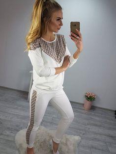 Tepláková komplet vo farbe ecru so vzorovaním White Jeans, Pants, Dresses, Fashion, Trouser Pants, Vestidos, Moda, Fashion Styles, Women's Pants