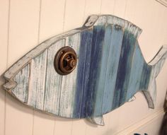 Fish Sign Wall Art Beach House Nautical Coastal Living Decor by CastawaysHall - Ready to Ship Lake Decor, Coastal Decor, Coastal Living, Driftwood Projects, Driftwood Art, Wood Fish, Beach Wall Art, Am Meer, Beach Crafts