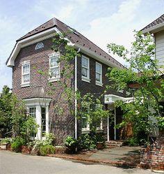 イギリスのアンティークレンガタイルの家