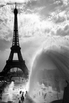 PARIS  40° C (or the french shower) by Eric DRIGNY, via 500px