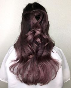The Best Hair Color Ideas for Brunettes Brunette Hair Colors_Dusty Lavender The post Die besten Haarfarbideen für Brünette & Hair color appeared first on Lilac hair . Ombre Hair Color, Cool Hair Color, Purple Hair, Pastel Hair, Gray Hair, Violet Brown Hair, Rich Hair Color, Ombre Rose, New Hair Colors