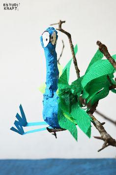 "Model about the book ""The tree house"" / Maqueta interpretació del llibre ""La casa del árbol"". Join us on www.facebook.com/estudikraft 12 Year Old, Dinosaur Stuffed Animal, Crafts For Kids, Workshop, Facebook, Toys, Projects, Animals, Crafts For Children"