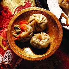 Tibetan momo dumplings - vegan - Includes a recipe to make your own homemade dumpling wrappers.