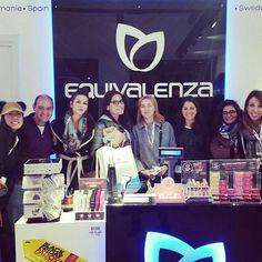 Grazie mille a tutto il team delle #pinktrotters che sono venute per iniziare il #blackfridaypadova in #EquivalenzaPadova siete il #Top #ragazze.  Approfittiamo per dirvi che loro cercano #ambassadors se volete farne parte di questo bellissimo movimento contattate alle @pinktrotters #chic #glam #fashion #perfumelovers #profumi, #cosmetics #shoppingnight #travellers #Equivalenza #profumeria #padova #igerspadova #ig_veneto #igersitalia #igersveneto #iblogger #youtubers #profumeria