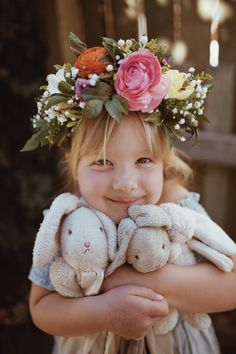 Myla VonBlanckensee photo by Tessa Cheetham #flowers #flowercrowns #colours #photography #photoshoot #photos #portrait #afternoon #outdoors #nature #teddies #bunnies