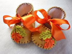 Autumn Leaves, baby girl booties for Thanksgiving. Holiday baby shoes.. $27.00, via Etsy.