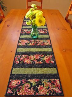 Quilted Table Runner Paisley Stripe -  mini version of Quick Strippie (mary's quilts).