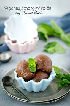 Das beste Eisrezept für selbstgemachtes, veganes Eis - ohne Soja, ohne Haushaltszucker! Mit oder ohne Eismaschine möglich.