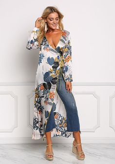 Ivory Floral Silky Longlined Kimono - New Dressy Outfits, Chic Outfits, Spring Outfits, Fashion Outfits, Denim Fashion, Look Fashion, Floral Kimono Outfit, Long Dress With Slit, Junior Outfits