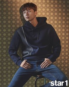 Park Seo Joon gave an interview to and talked about not reading the comments left on his articles, photo shoots or interviews…his family does that. Asian Actors, Korean Actors, Korean Dramas, Korean Idols, Fight My Way, Park Seo Joon, Jung Hyun, Korean Babies, Interview