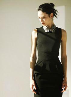Cute peplum dress with printed collar