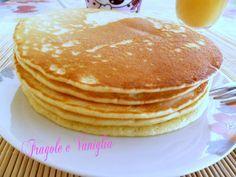 i pancakes le frittelle americane che abbiamo imparato a conoscere nei film, sono dei dolci velocissimi da preparare per la colazione.