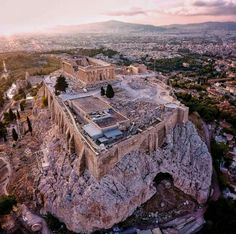 Meanwhile in #Greece. The Parthenon still beautiful over 2,500 years later. Photo by @lifeofsabin on IG. See more on www.GreekGateway.com