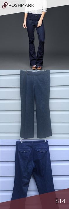 Gap straight fit flared leg denim Dark wash in a classic and flattering style. These jeans are new without tags and have never been worn or washed. So easy to rock with a confident strut this fall. Gap Jeans Straight Leg