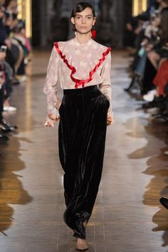See the Stella McCartney autumn/winter 2016 collection. Click through for full gallery at vogue.co.uk