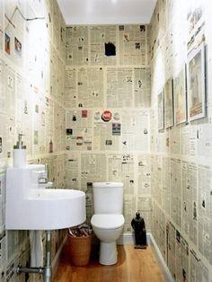 De muur behangen met kranten: zo heb je altijd wat te lezen op de wc.
