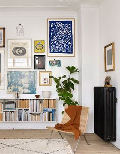 Love the art on the wall: it's uncluttered but makes the nordic design feel less cold. The Home of Karen Maj Kornum, Take Two - NordicDesign