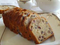Discover step by step How to Make Rum Raisin and Walnut Pound Cake in your home. Make yours and serve Rum Raisin and Walnut Pound Cake for your family or friends. Walnut Pound Cake Recipe, Pound Cake Recipes, Greek Desserts, Just Desserts, Sweets Recipes, Easter Recipes, Rum And Raisin Cake, Rum Cake, Fruit Jam