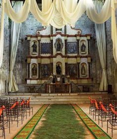 Green and Orange Accented Baroque Decor - Baroque allure, native crafts and contemporary brio combine - Wedding Style