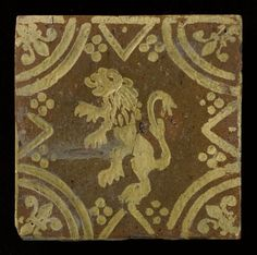Title: Haardtegel van aardewerk met slibdecoratie en voorstelling van een leeuw, ca. 1800-1900 Date of creation: 1800 - 1900 Place of creation: België (Poperingen / Torhout) Technique:  Inleg- en slibtechniek  Size: hoogte: 147 mm; breedte: 147 mm; dikte: 13 mm