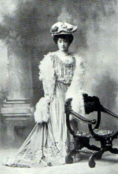 HIH_Princess_Higashifushimi_Kaneko.jpg 500×739 ピクセル