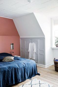 Dyp rosa på soveromm