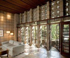 Frank Lloyd Wright. Millard House. Pasadena. 1923